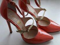 Туфли Modus Vivendi кораллового цвета