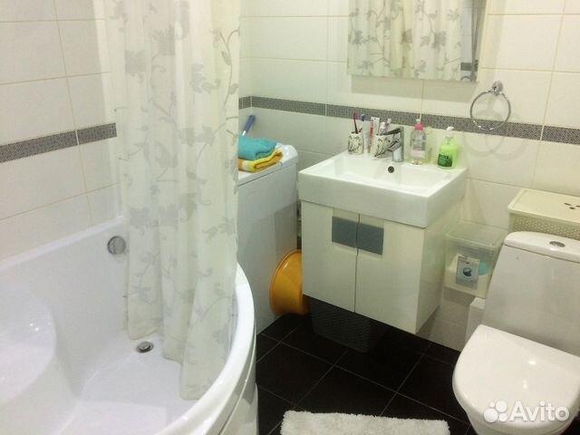 Продается четырехкомнатная квартира за 2 650 000 рублей. ул Судостроительная 26.