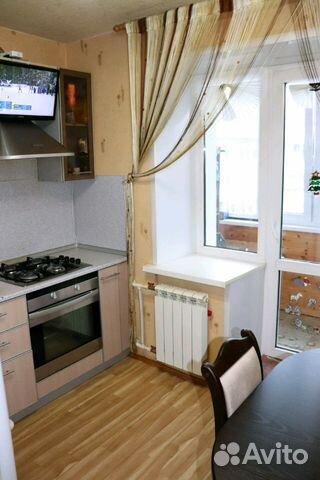 Продается двухкомнатная квартира за 1 940 000 рублей. Хрустальная улица, 10.