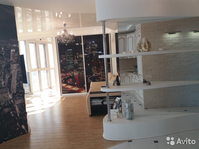 Продается трехкомнатная квартира за 7 000 000 рублей. г Саратов, ул Соколовая, д 10/16.