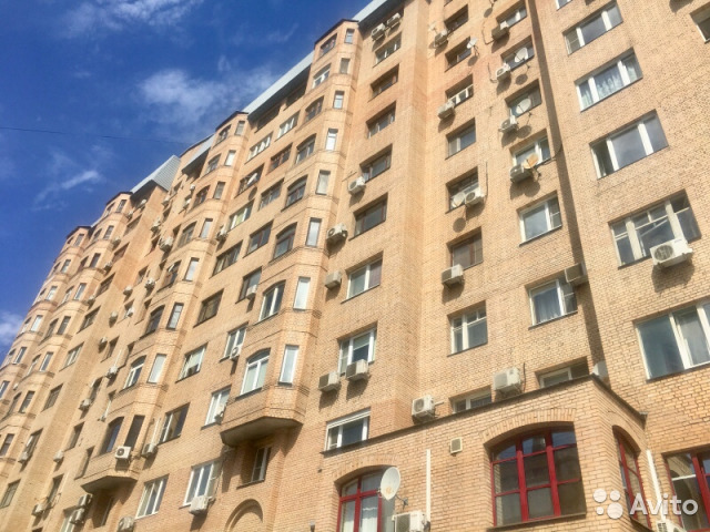 Продается двухкомнатная квартира за 25 000 000 рублей. г Москва, пер Волконский 1-й, д 15.