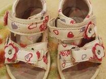 Босоножки детские и туфли ясельные